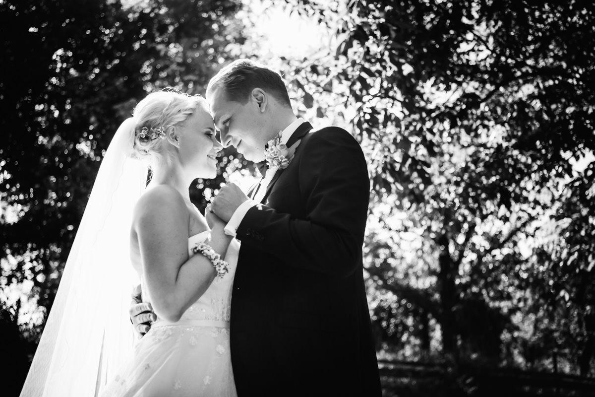 Hochzeit Fotograf Halsberg Brautpaarportraits