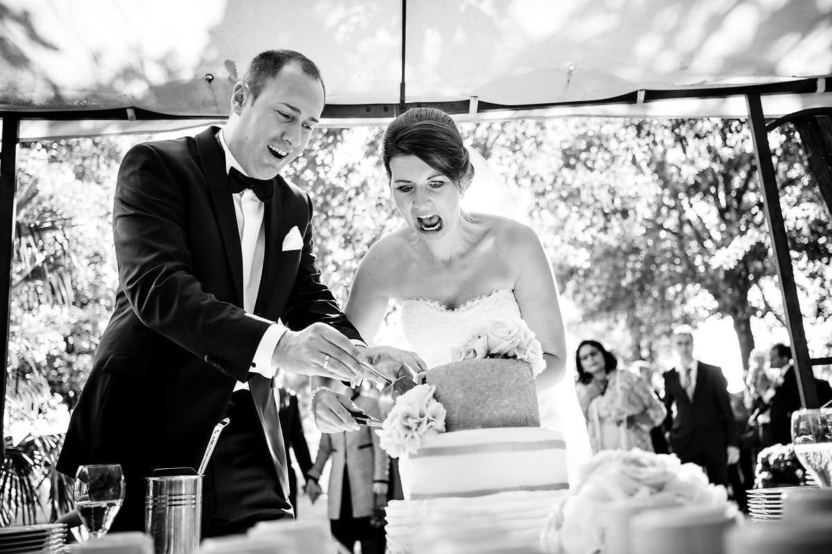 Hochzeitsfeier Burg Schwarzenstein Torte anschneiden