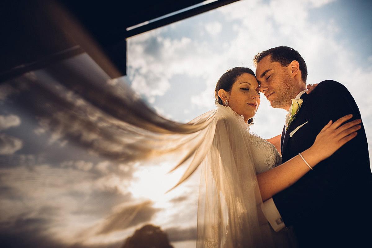 Hochzeitsfoto bei schönem Sonnenlicht