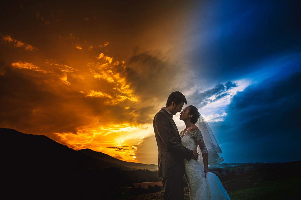 Hochzeitsfoto nach dem Regen